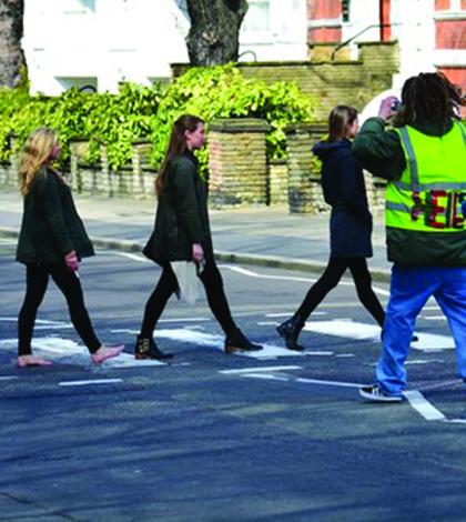 Abbey Road: alegria dos turistas e desespero dos motoristas