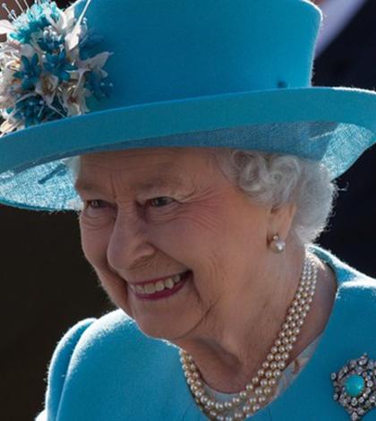 Aniversário da Rainha Elizabeth vai ter festa de rua, carnaval e ingressos a quase 900 reais