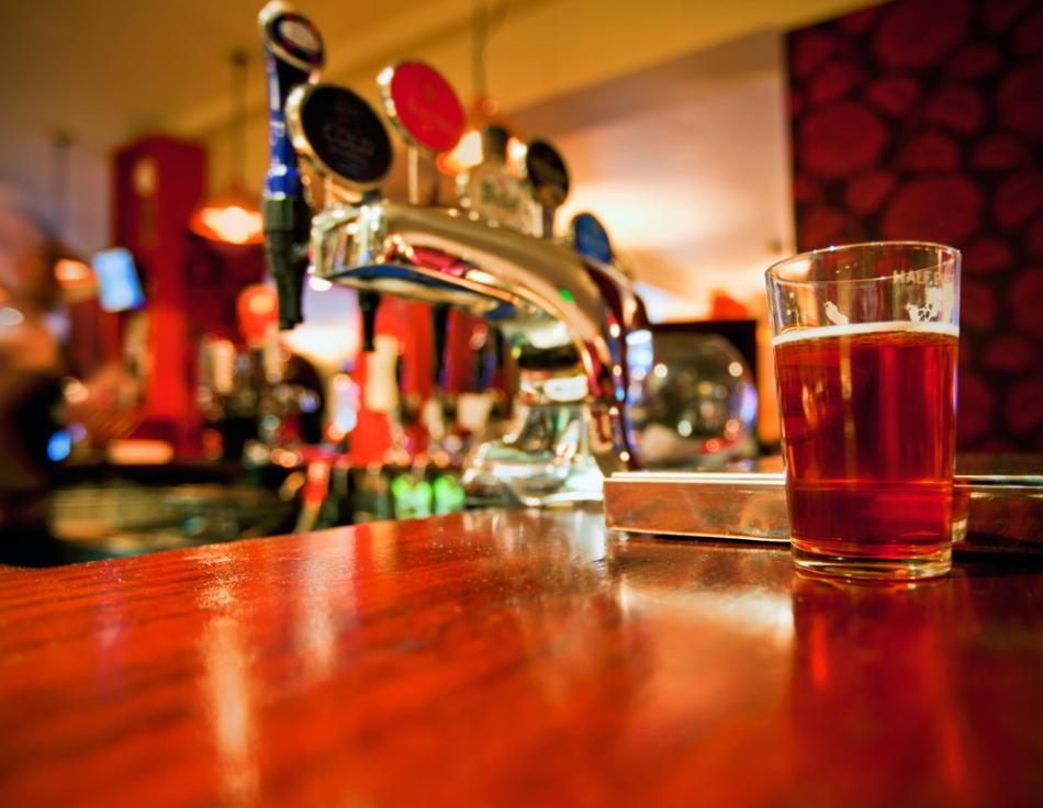 8 melhores pubs de Londres para aproveitar a noite