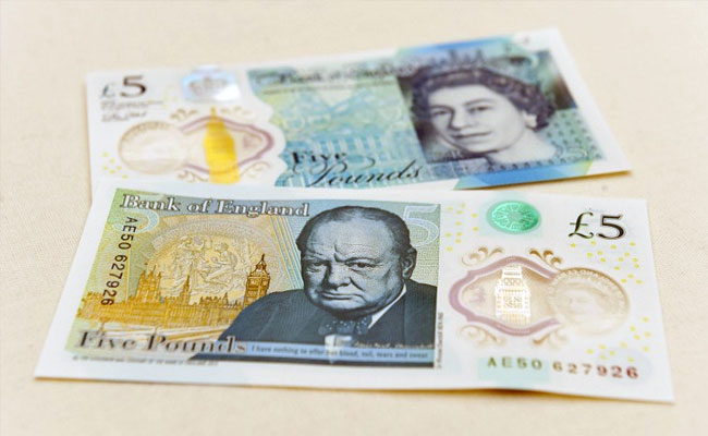 Nova nota de 5 libras vai ser de plástico fino e flexível