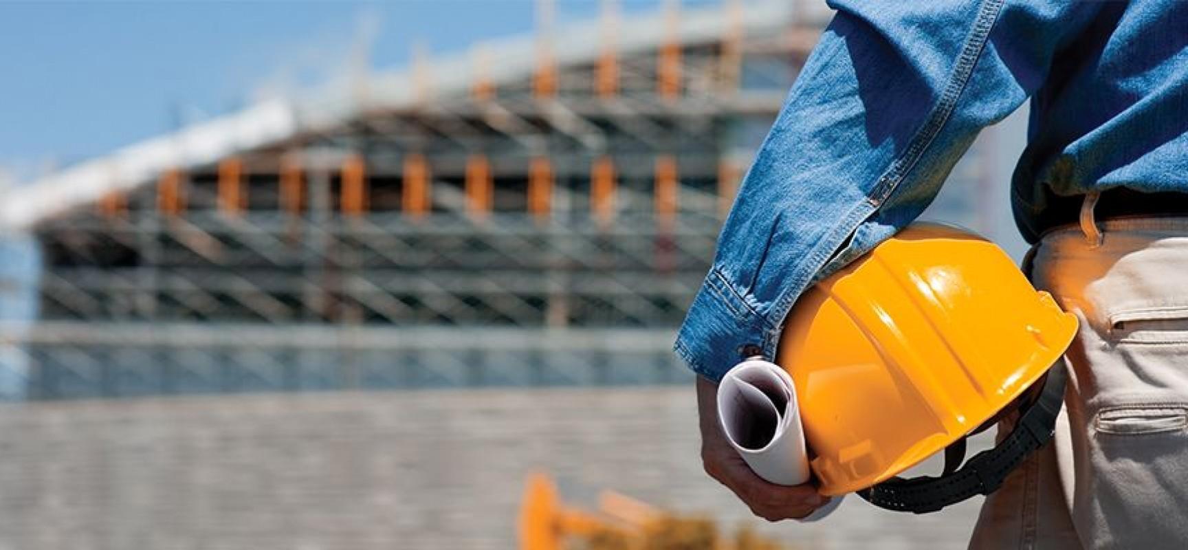 Por que os autônomos da construção civil recebem dinheiro de volta?