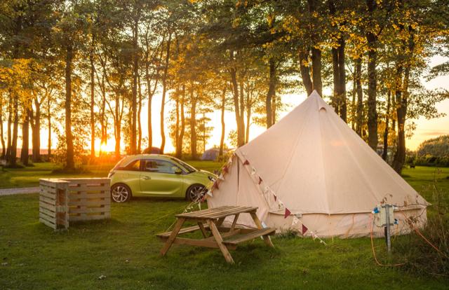 Vamos acampar no verão da Inglaterra?