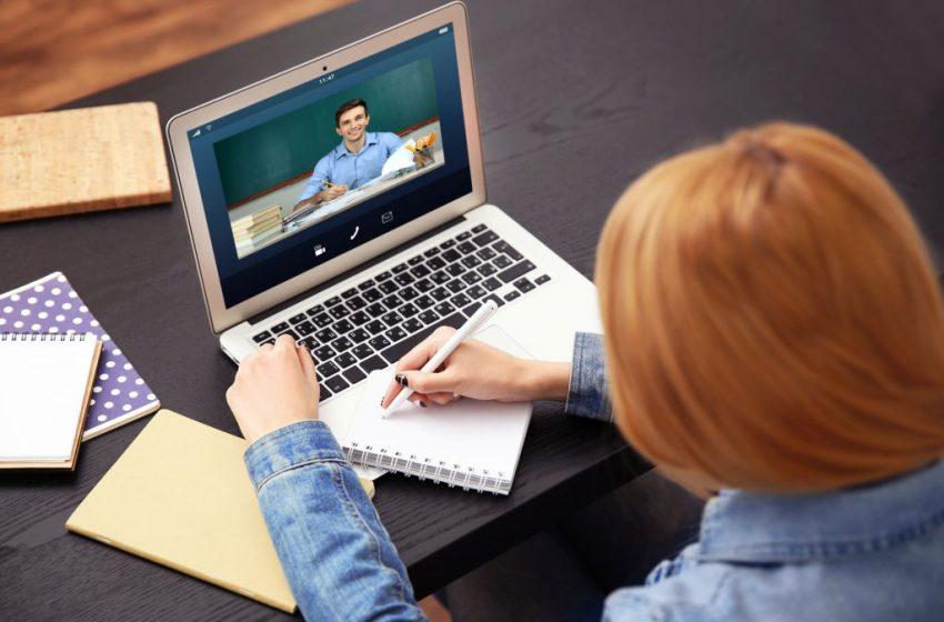 Carreira nova em 2021 com vestibular online e estudando com flexibilidade de horários