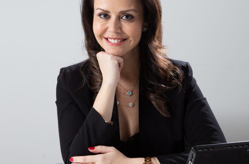 Entrevista da capa com a nutri Carolina Simon