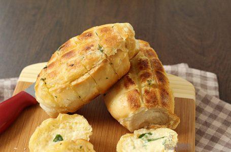 Pão de alho caseiro para churrasco